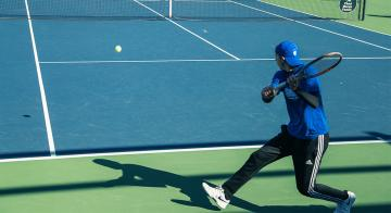 Murilo Salviato sets up for a backhand.